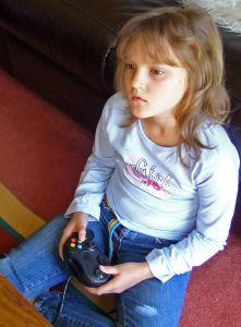 Jogos eletrônicos X Comportamento infantil – por Fernanda Santos
